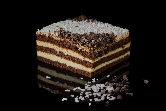 Ambasador - ciasto biszkoptowe z budyniem, toffi i czekoladą