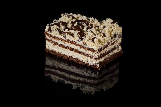 Chałwowe ciasto biszkoptowe