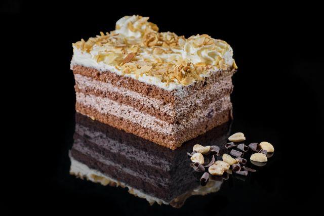 Ciasto biszkoptowo-śmietanowe Cherry