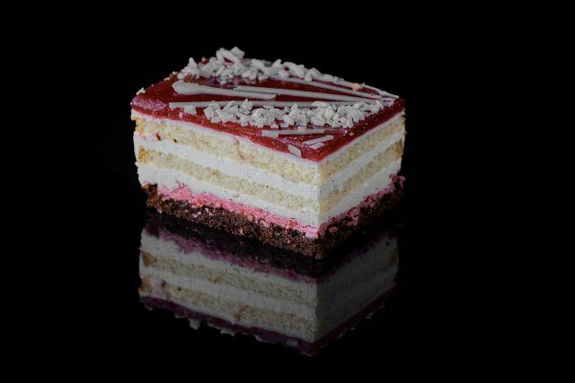 Chrupek - ciasto biszkoptowe ze śmietaną