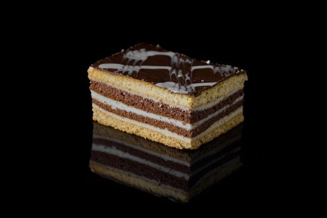 Greckie - miodowe ciasto biszkoptowe z kremem z kaszy mannej