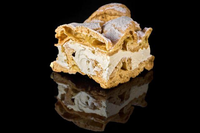 Karpatka - ciasto ptysiowe z kremem wanilinowym