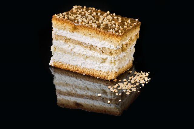 Miodowe ciasto biszkoptowe Marcinek