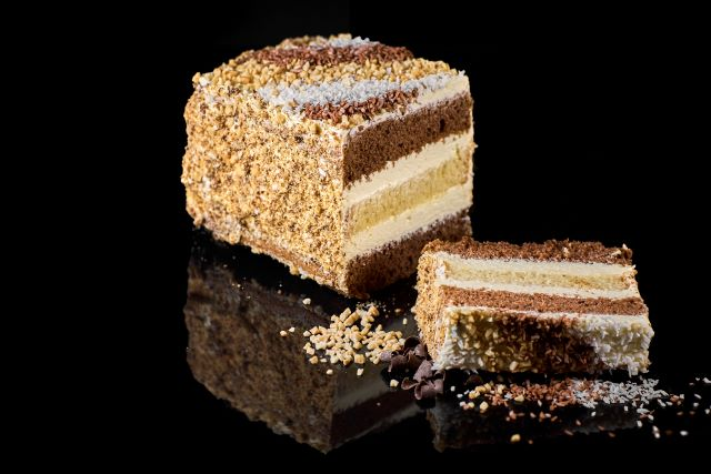 Metrowiec - ucierane ciasto z kremem śmietankowy