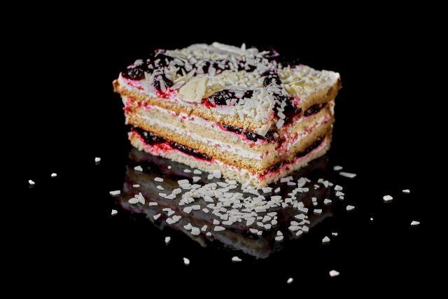 Biszkoptowo-śmietanowe ciasto Porzeczkowe