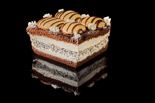Szampańskie - biszkopt kakaowy z pianką