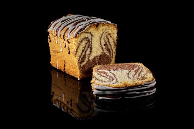 Ucierane ciasto piaskowe z kakaem i czekoladą